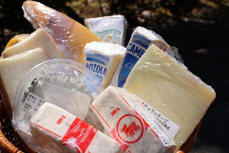 チーズ入荷しました♪_b0016474_11451640.jpg