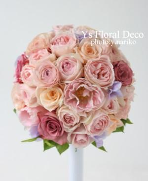淡いピンク色のドレスに ピンクのラウンドブーケ_b0113510_23324583.jpg
