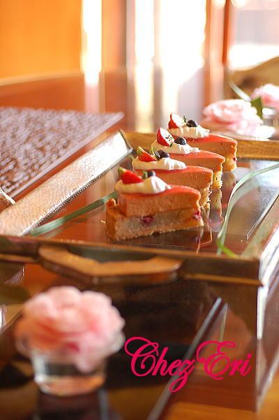 テーマは苺を使った可愛らしいお菓子_a0160955_19243670.jpg