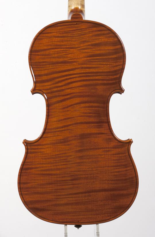 新作ヴァイオリンの完成_d0047461_14283041.jpg