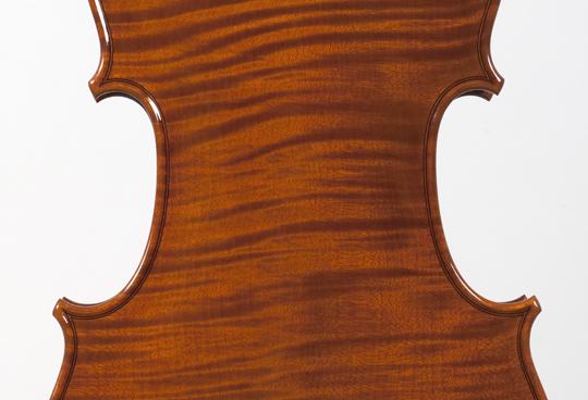 新作ヴァイオリンの完成_d0047461_1429519.jpg