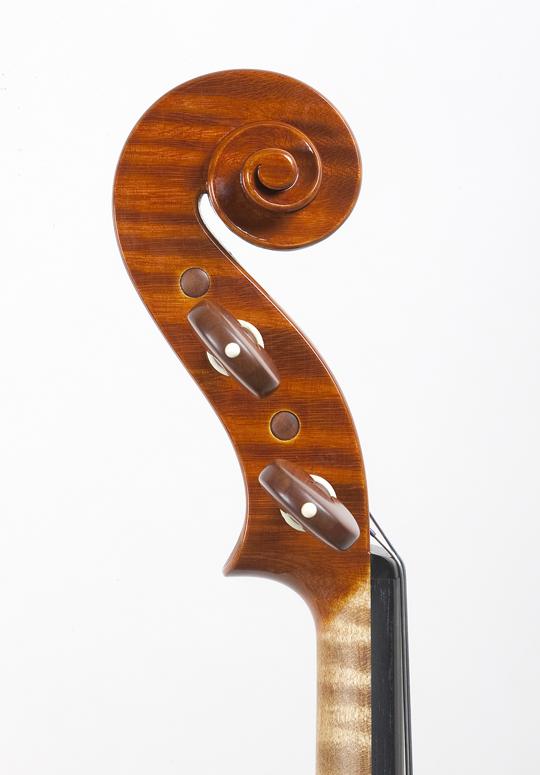 新作ヴァイオリンの完成_d0047461_14333746.jpg