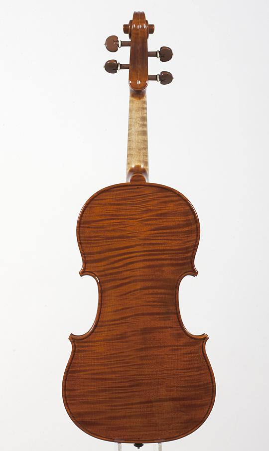 新作ヴァイオリンの完成_d0047461_2244882.jpg
