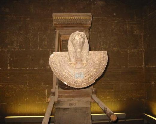 托勒密之鷹-荷魯斯 (Horus)_e0040579_245049.jpg