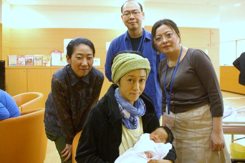 赤ちゃんに横山さん・W高橋さん面会_f0006713_1521477.jpg