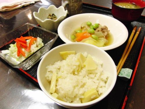 タケノコ・・・_e0222340_1844748.jpg