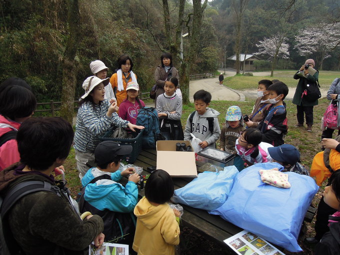 森と子どもとアーティスト-春の巻-_f0048597_6312052.jpg