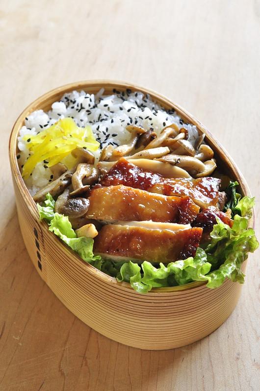 醤油鶏弁当_b0171098_656443.jpg