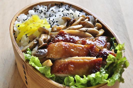 醤油鶏弁当_b0171098_734859.jpg