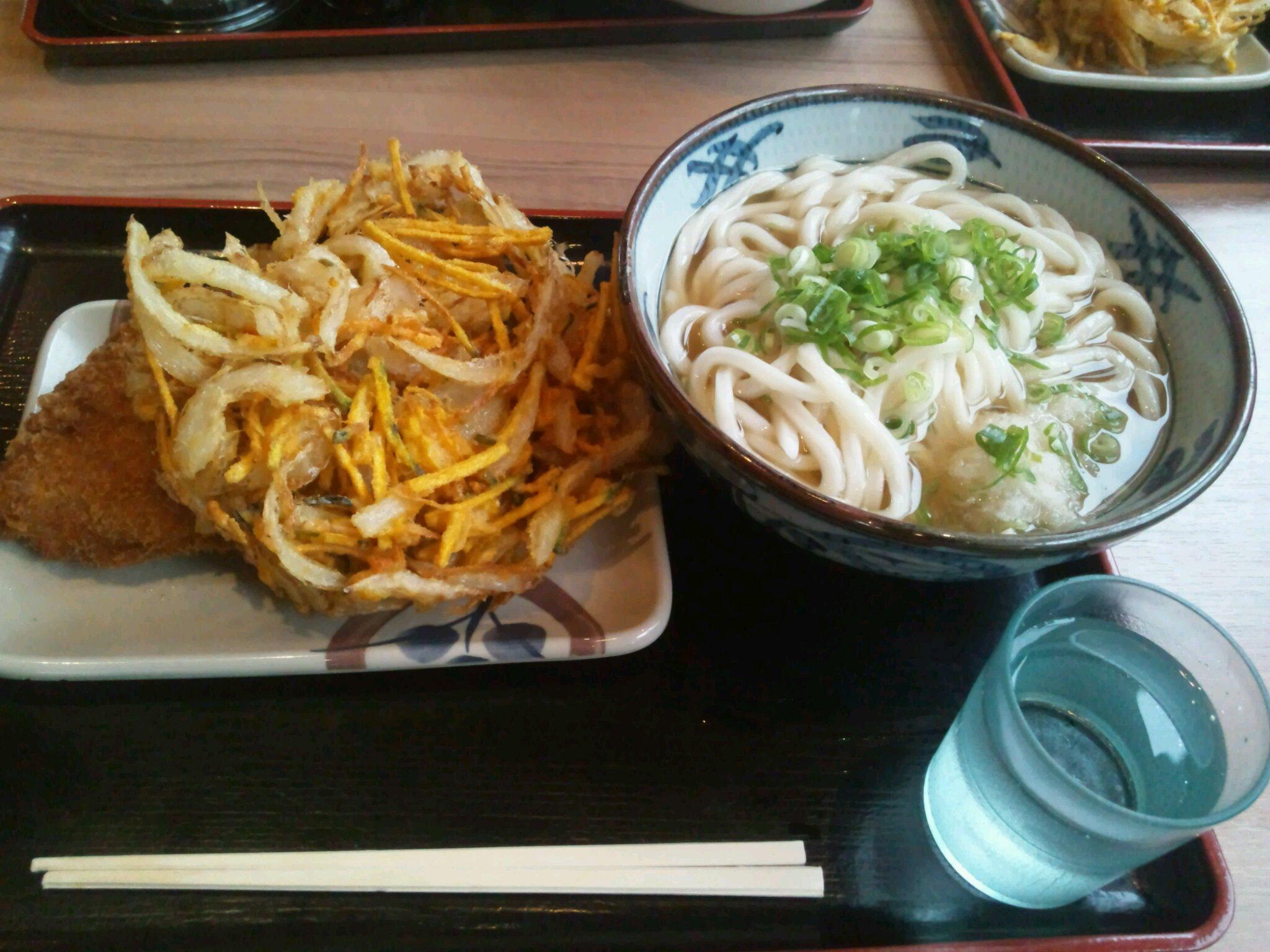 イワサキ高松店近隣ランチ情報 : さぬき麺市場 高松伏石店_b0163075_8173669.jpg