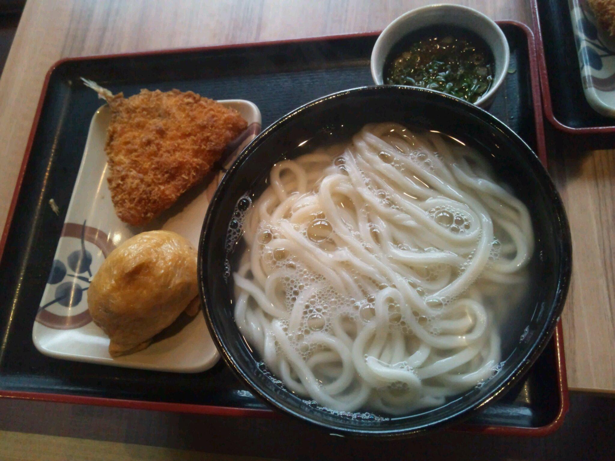 イワサキ高松店近隣ランチ情報 : さぬき麺市場 高松伏石店_b0163075_8261416.jpg