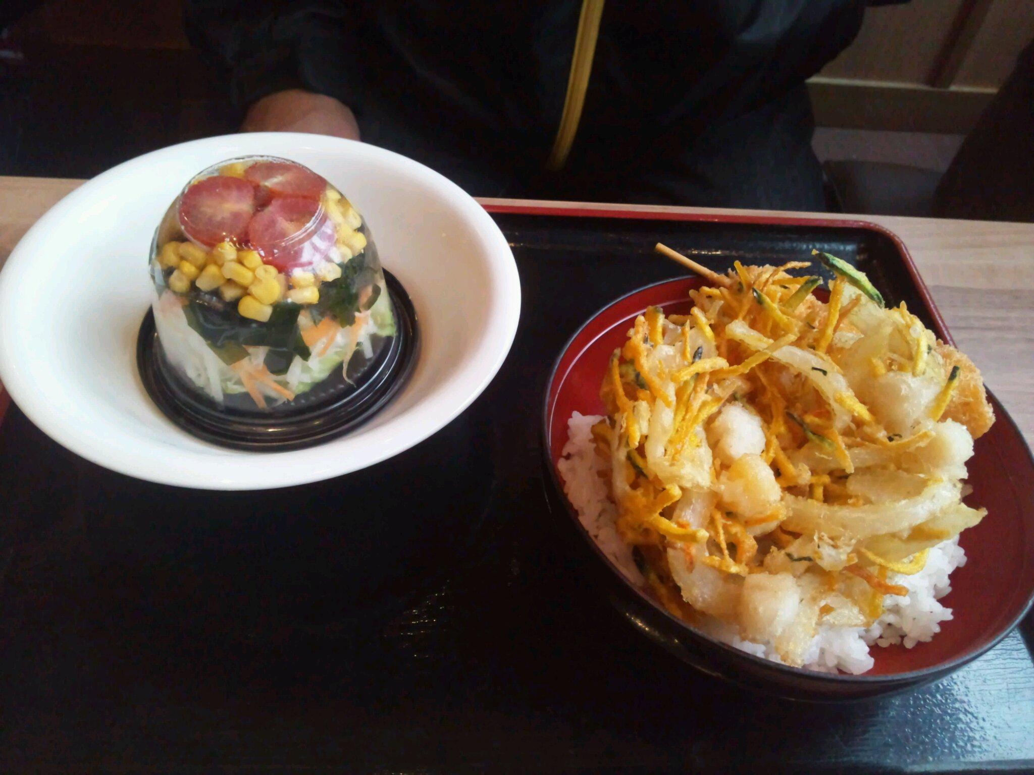 イワサキ高松店近隣ランチ情報 : さぬき麺市場 高松伏石店_b0163075_8281838.jpg