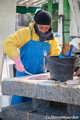 海沿いのマルシェの魚たち_c0024345_4541051.jpg