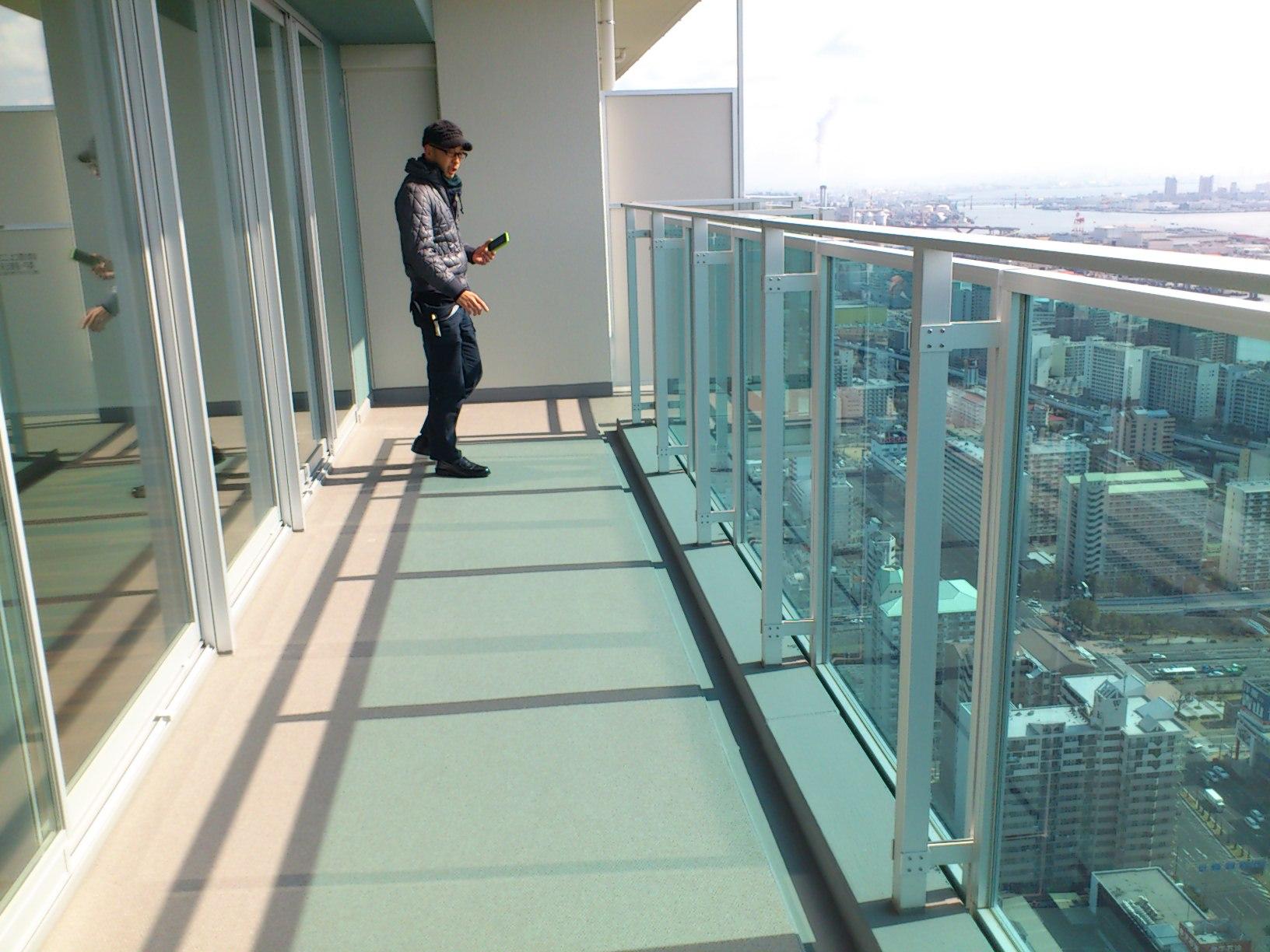 タワーマンション48階の空中庭園_e0128024_13361796.jpg