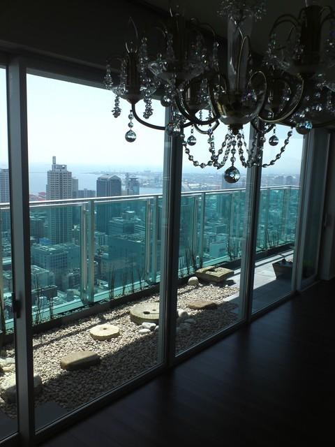 タワーマンション48階の空中庭園_e0128024_1338321.jpg