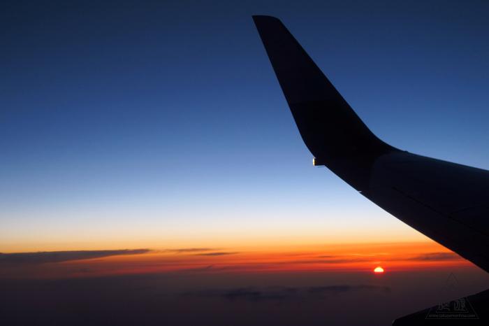 173 空 ~飛行機から見る最高の夕日~_c0211532_23451680.jpg