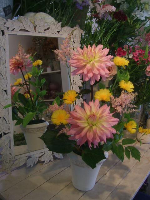 オークリーフ花の教室(中山さんの作品)_f0049672_16434090.jpg