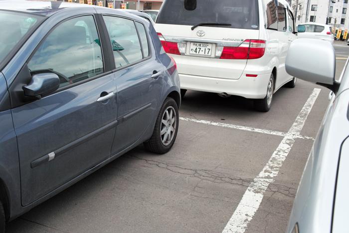 雪国の駐車スペース_c0182775_2102936.jpg