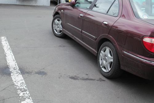 雪国の駐車スペース_c0182775_2114554.jpg