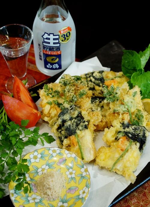 季節のおつまみ【竹の子とセリの磯辺天】笹塩とレモン添えです。_b0033423_0321862.jpg