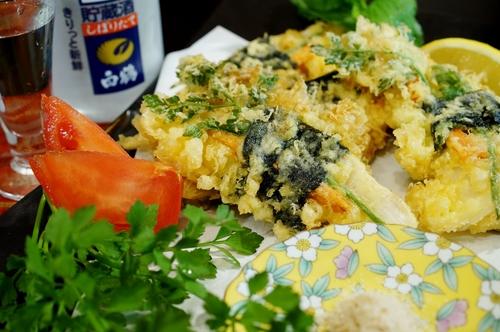 季節のおつまみ【竹の子とセリの磯辺天】笹塩とレモン添えです。_b0033423_113771.jpg