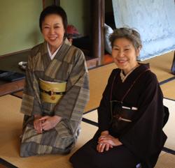 塚田純子古布遺作展はすばらしい、布に顔を近づけると音楽が聞こえる。_d0178448_19322539.jpg