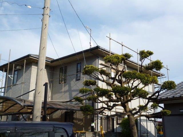 屋根・外壁の塗替えを始めています(神奈川県秦野市)_e0207151_645032.jpg