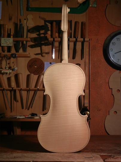 ホワイトヴァイオリンと、ホームズベア_d0047461_4194031.jpg