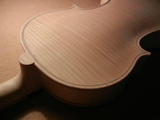 ホワイトヴァイオリンと、ホームズベア_d0047461_4242834.jpg