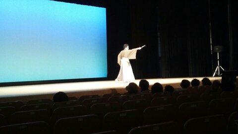 踊り舞台 お化粧もバッチリです(笑)_d0230676_14365389.jpg