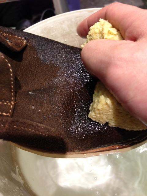 スエードの靴を洗う!_b0226322_1775527.jpg