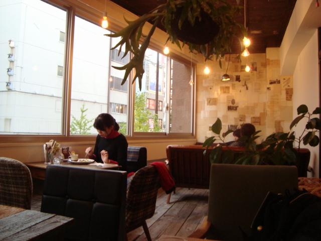 新宿「コトカフェ」へ行く。_f0232060_2357825.jpg