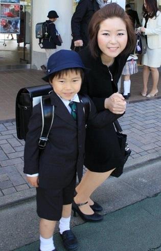 将来ラングスジャパンを担っていく孫の入学式_d0148223_2362636.jpg
