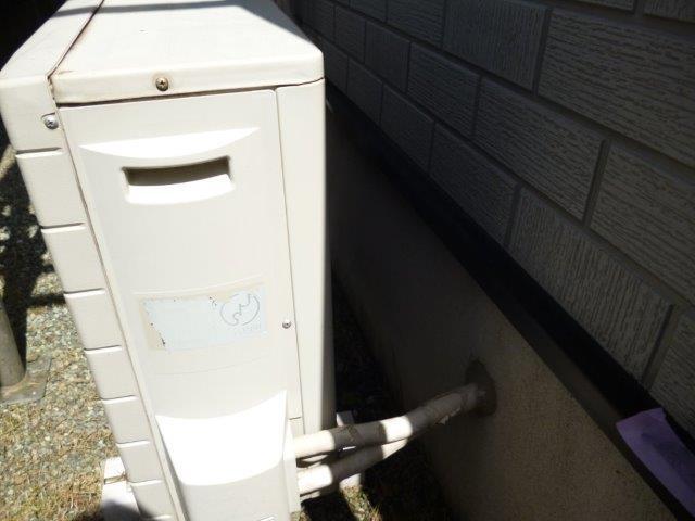 外壁・屋根の塗替えを始めています2(神奈川県秦野市)_e0207151_2010355.jpg
