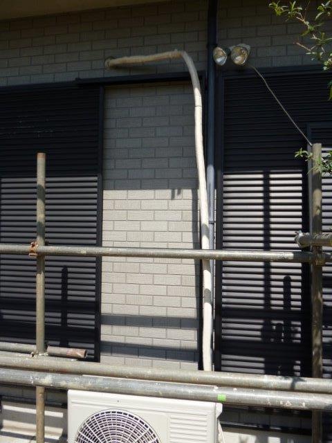 外壁・屋根の塗替えを始めています2(神奈川県秦野市)_e0207151_20254051.jpg