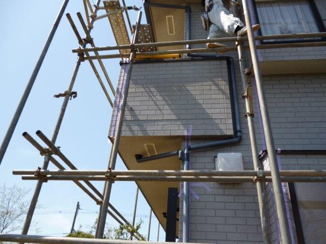 外壁・屋根の塗替えを始めています2(神奈川県秦野市)_e0207151_2031350.jpg