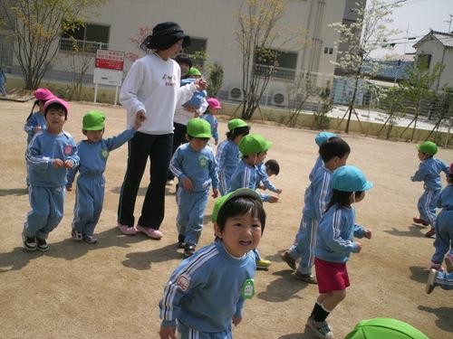 4月お誕生会_b0277979_18494924.jpg