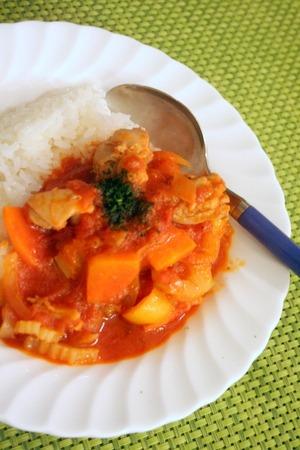 野菜たっぷり!!チキンのトマトソース煮込み_f0141419_6435536.jpg