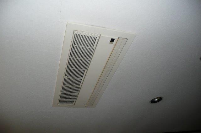 天井埋込形エアコンの入替(町田市)_e0207151_21102328.jpg