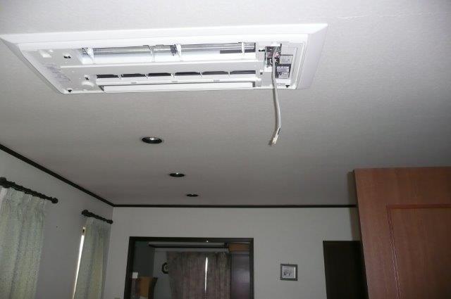 天井埋込形エアコンの入替(町田市)_e0207151_2112984.jpg