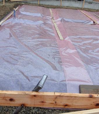 Q1住宅X-2美砂町:基礎床の砕石地業転圧_e0054299_1123371.jpg