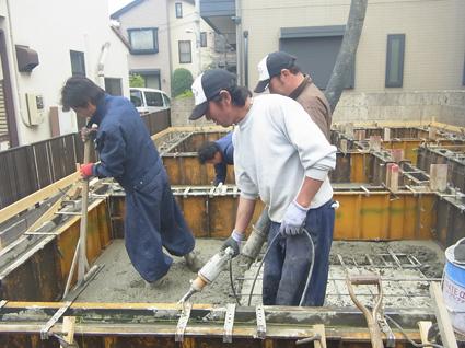 基礎コンクリート打設_a0148909_18111144.jpg