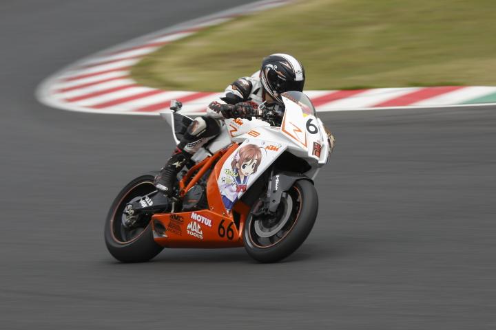 SUZUKA  2&4 RACE  2013 【JSB1000 決勝レース】_f0253927_13143854.jpg