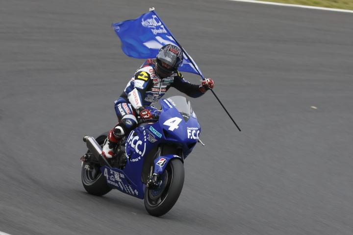 SUZUKA  2&4 RACE  2013 【JSB1000 決勝レース】_f0253927_13154347.jpg