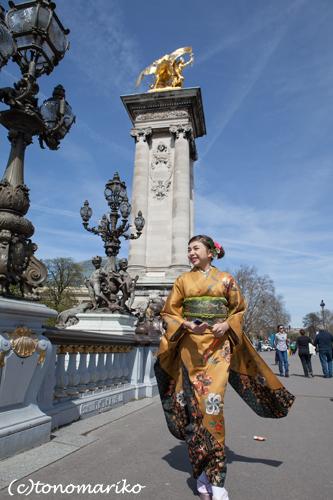 パリで「十三参り」 サル姉妹編_c0024345_5205838.jpg