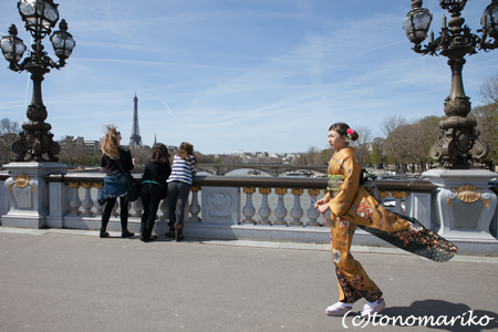 パリで「十三参り」 サル姉妹編_c0024345_521787.jpg
