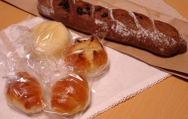 久しぶりに買いパン_f0191248_9331427.jpg