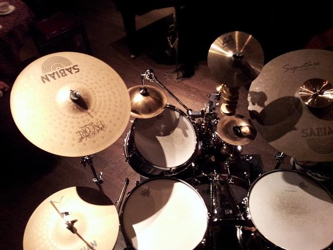 最新のドラム・セット_c0186580_154823.jpg