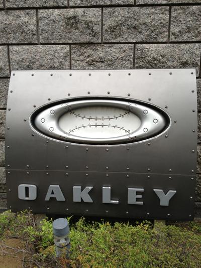 OAKLEYオークリー非売品オリジナルタンブラープレゼント・WHY NO.1キャンペーン(数量限定)!_c0003493_1271248.jpg