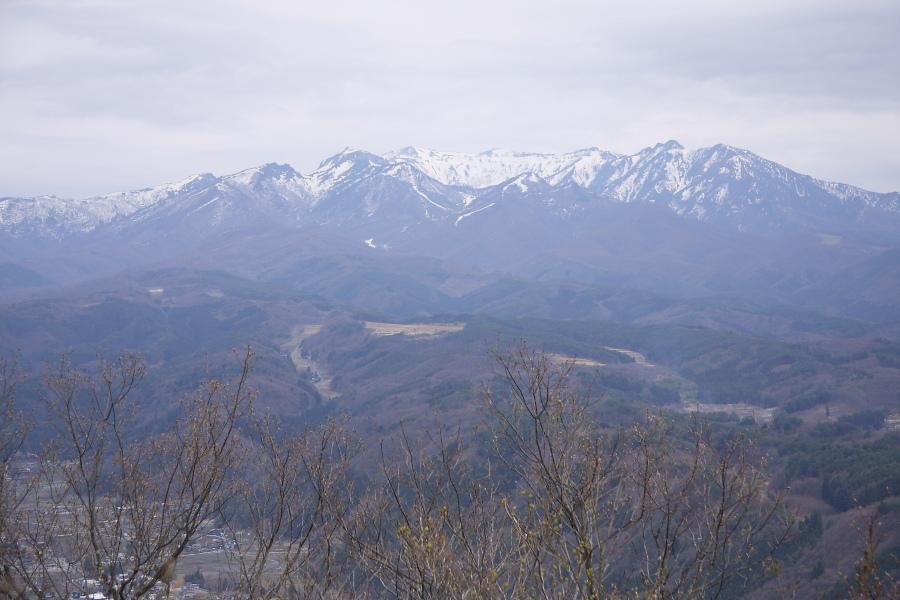 今日もC61旧客を山の上から撮ってみた - 2013年春・上越線 -_b0190710_20374212.jpg